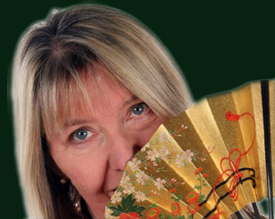 link to picture of Maddy Prior with fan at her site